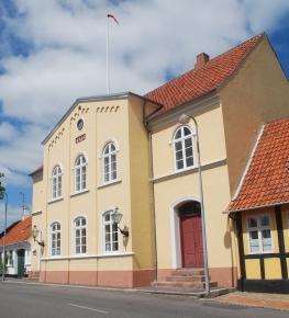 Svaneke rådhus small