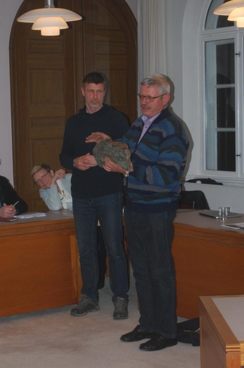 Jørn Bech ses til højre    håndværker    - Aja Braid ses helt til venstre dernæst Morten Bach Jørgensen